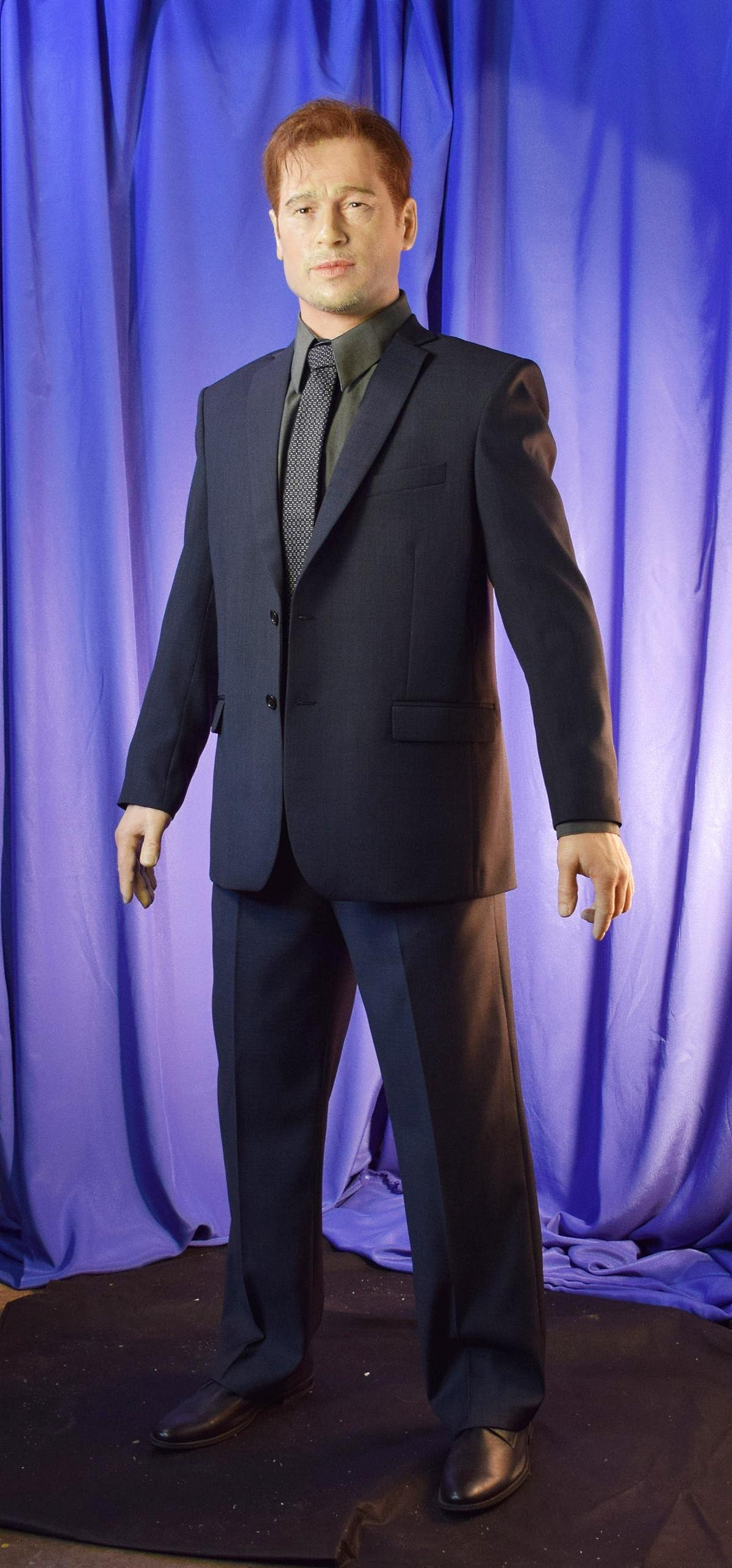 Бред Питт восковая фигура