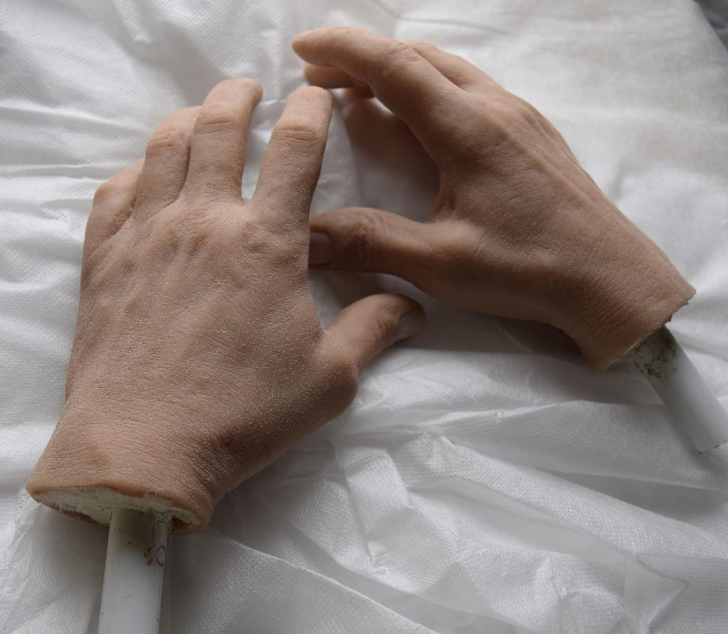 Руки для восковой фигуры Стетхэма