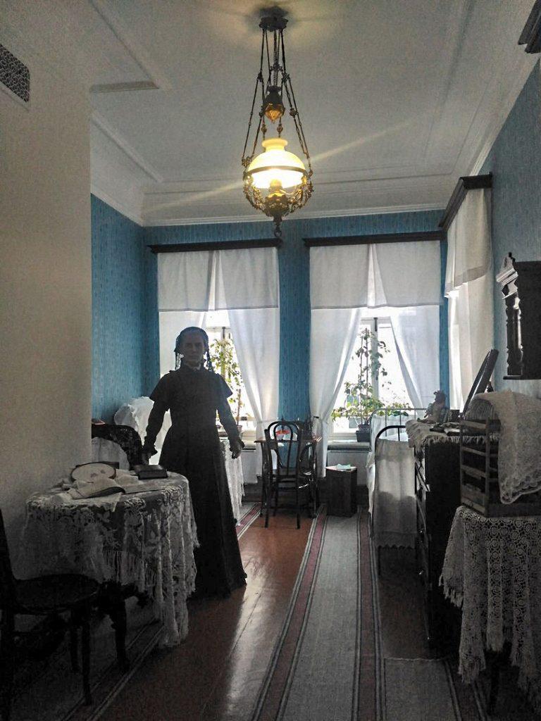 Восковые фигуры для музеев, мать ЛЕНИНА